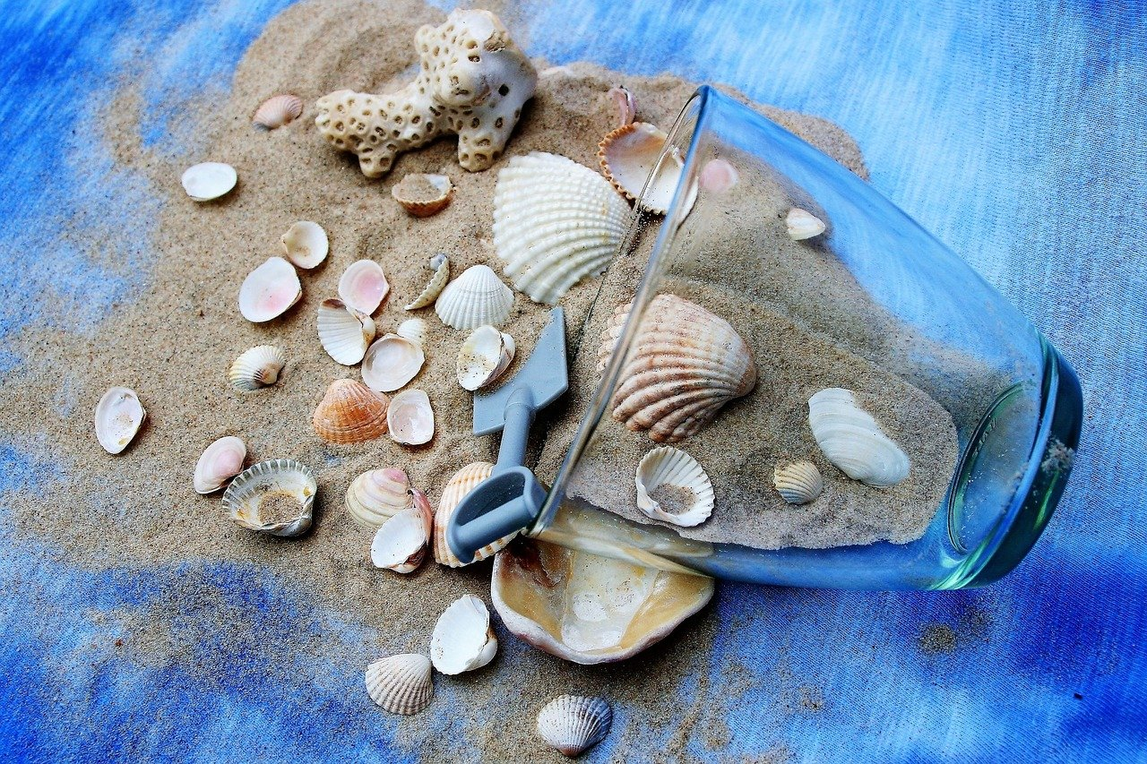 Read more about the article Make Beautiful Sand Art at Home